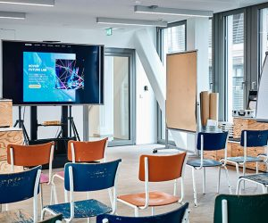Der Raum für das Novon Future Lab mit kreativen Utensilien